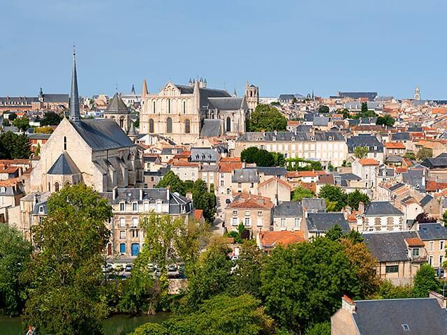 offre de poste assistant administratif Poitiers